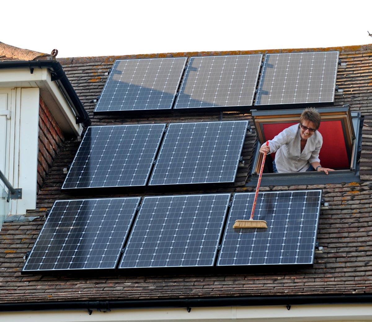 làm gì để giữ tấm pin mặt trời được lâu bền